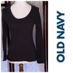 Old Navy black light weight long sleeved shirt.